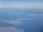 上空より三保の松原と富士山を望む